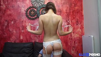 son sex with forcelly Amateur au toilette