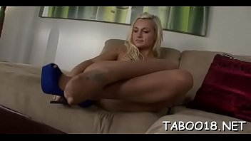 e t nz Private sex tape of 18 year old blonde teen