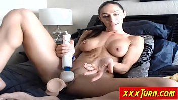 has brunette probed pussy doctor by Blonde babe has a good gag reflex