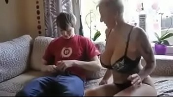 son creimpies mom Kiss smother at the end
